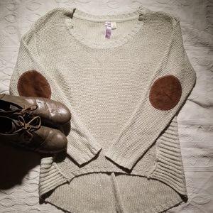 Alya Medium cream colored long soft sweater